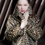 Irish Chanteuse Imelda May creates MAYHEM with Jeff Beck