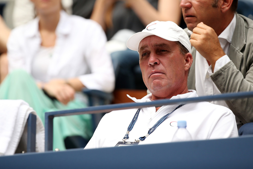 Ivan Lendl, Murray's coach, looks on (courtesy of Darren Carroll/USTA)
